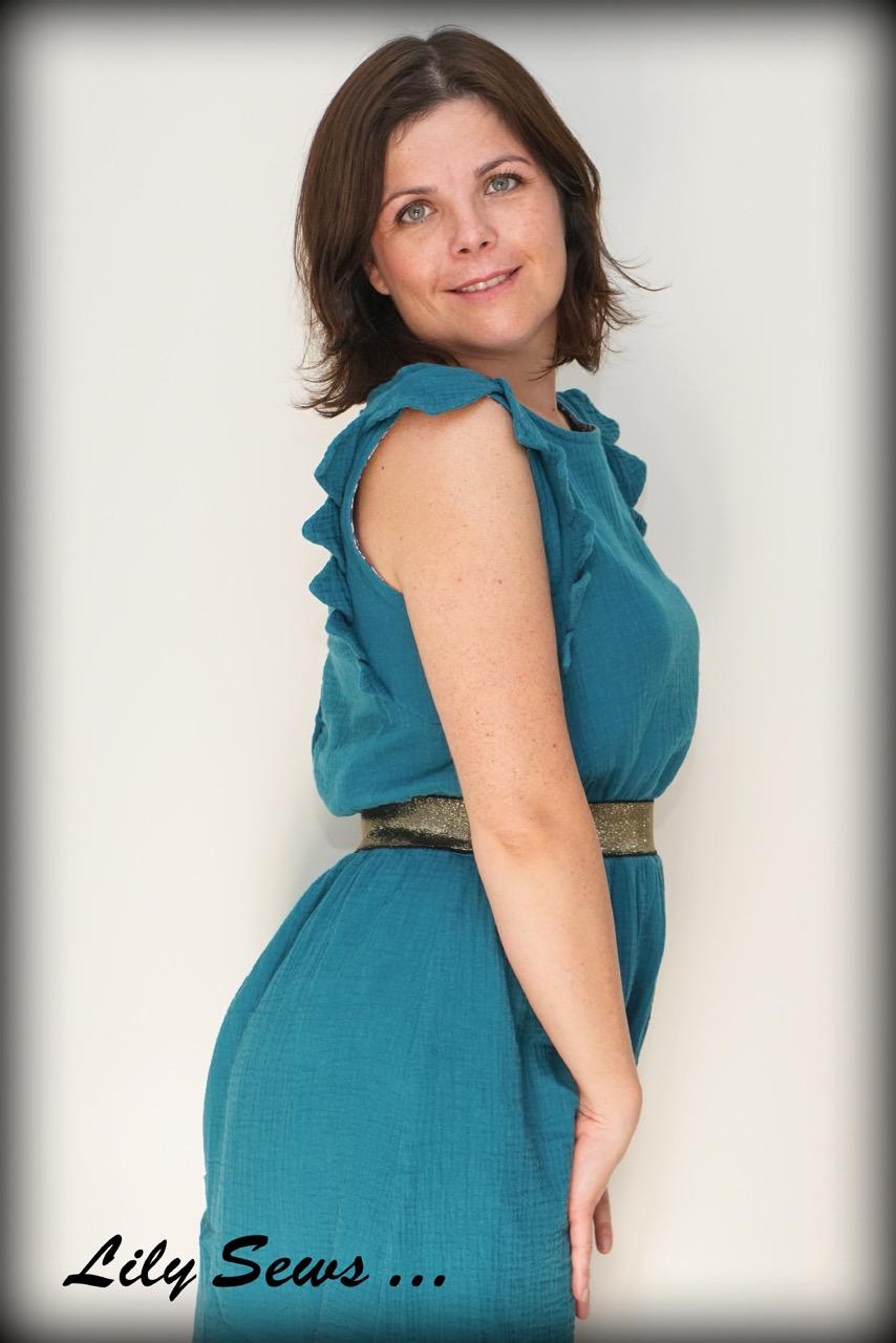 7b2487be196 Cette robe est m a robe fétiche du moment. Je la porte quasi toutes les  semaines depuis qu elle est terminée!